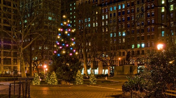 Audra Rox Plays at Holiday Tree Lighting in Madison Square Park (Video)