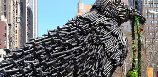 "William Ryman's ""Bird"" Sculpture Lands in Flatiron Near Madison Square Park"