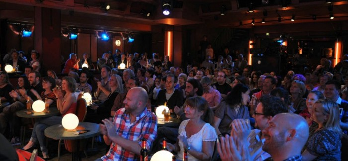 4 Flatiron Comedy Clubs That Will Leave You in Stitches