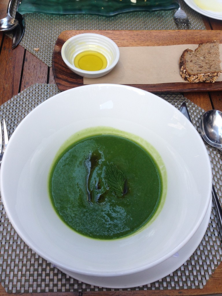 Zuppa: chilled zucchini soup, mint oil